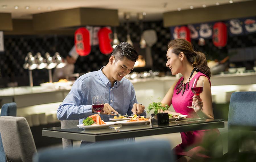 【北京丽都皇冠假日酒店】原价299元,现仅售128元,Matrix 亦餐厅自助晚餐!